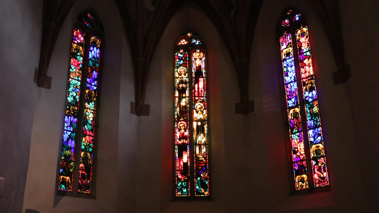 Kirchenfenster Klosters<div class='url' style='display:none;'>/</div><div class='dom' style='display:none;'>klosters-reformiert.ch/</div><div class='aid' style='display:none;'>27</div><div class='bid' style='display:none;'>73</div><div class='usr' style='display:none;'>2</div>